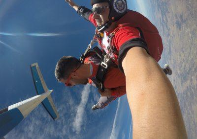 Skydive salto tandem